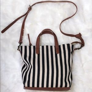 BLACK AND WHITE STRIPED CROSSBODY PURSE